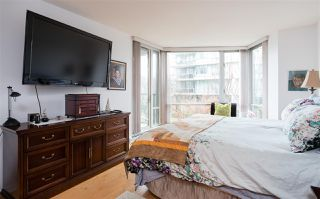 "Photo 11: TH103 1288 MARINASIDE Crescent in Vancouver: Yaletown Townhouse for sale in ""CRESTMARK"" (Vancouver West)  : MLS®# R2229944"