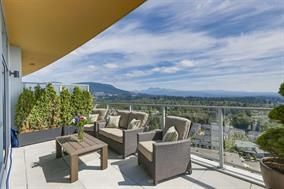 Photo 1: 2903 3093 WINDSOR GATE in Coquitlam: New Horizons Condo for sale : MLS®# R2238358