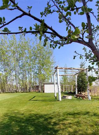 """Photo 12: 7240 SUTLEY Road in Prince George: Pineview Manufactured Home for sale in """"PINEVIEW"""" (PG Rural South (Zone 78))  : MLS®# R2257732"""