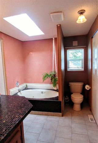 """Photo 8: 7240 SUTLEY Road in Prince George: Pineview Manufactured Home for sale in """"PINEVIEW"""" (PG Rural South (Zone 78))  : MLS®# R2257732"""