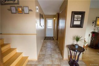 Photo 2: 281 Stradford Street in Winnipeg: Crestview Residential for sale (5H)  : MLS®# 1809791