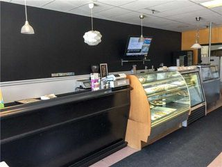 Photo 2: 4 750 Oklahoma Drive in Pickering: Amberlea Property for sale : MLS®# E4109640