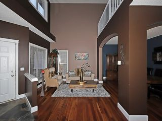Photo 3: 129 EVANSCOVE Circle NW in Calgary: Evanston House for sale : MLS®# C4185596