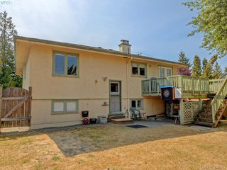 Photo 22: 636 McKenzie Avenue in VICTORIA: SW Glanford Single Family Detached for sale (Saanich West)  : MLS®# 398162