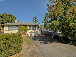Photo 20: 636 McKenzie Avenue in VICTORIA: SW Glanford Single Family Detached for sale (Saanich West)  : MLS®# 398162