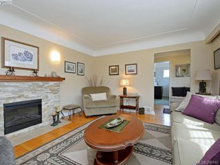 Photo 5: 636 McKenzie Avenue in VICTORIA: SW Glanford Single Family Detached for sale (Saanich West)  : MLS®# 398162
