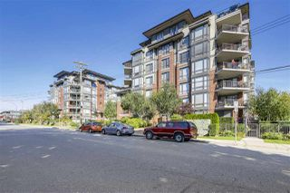 "Photo 2: 301 1550 MARTIN Street: White Rock Condo for sale in ""Sussex House"" (South Surrey White Rock)  : MLS®# R2309200"