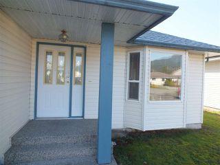 Photo 2: 544 RUPERT Street in Hope: Hope Center House for sale : MLS®# R2321100