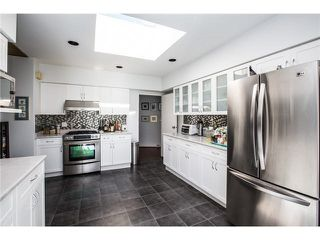 Photo 3: 5988 NEWTON Wynd in Vancouver: University VW House for sale (Vancouver West)  : MLS®# R2323953