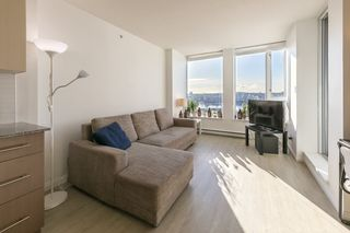 """Photo 4: 1910 550 TAYLOR Street in Vancouver: Downtown VW Condo for sale in """"THE TAYLOR"""" (Vancouver West)  : MLS®# R2324086"""