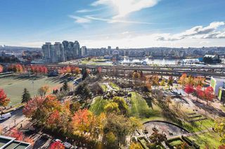 """Photo 10: 1910 550 TAYLOR Street in Vancouver: Downtown VW Condo for sale in """"THE TAYLOR"""" (Vancouver West)  : MLS®# R2324086"""