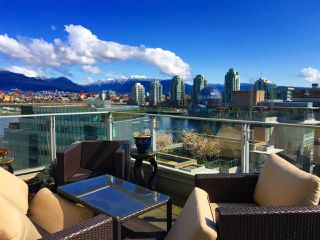"Main Photo: 901 1616 COLUMBIA Street in Vancouver: False Creek Condo for sale in ""BRIDGE"" (Vancouver West)  : MLS®# R2327939"