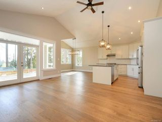 Photo 3: 692 Frayne Rd in MILL BAY: ML Mill Bay House for sale (Malahat & Area)  : MLS®# 807167