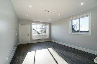 Photo 5: 5590 CLINTON Street in Burnaby: South Slope House 1/2 Duplex for sale (Burnaby South)  : MLS®# R2352730