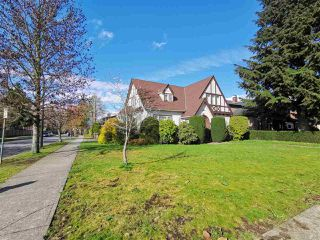 Photo 2: 595 W 28TH Avenue in Vancouver: Cambie House for sale (Vancouver West)  : MLS®# R2357773
