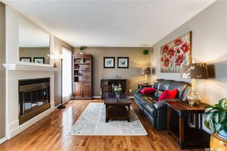 Photo 3: 323 Addie Crescent in Saskatoon: Forest Grove Residential for sale : MLS®# SK767465