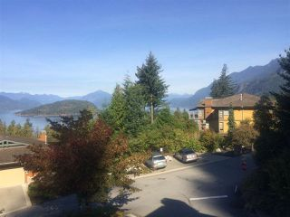 "Photo 2: 8520 SEASCAPE Court in West Vancouver: Howe Sound Townhouse for sale in ""Seascapes"" : MLS®# R2384600"
