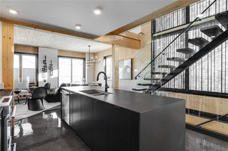 Photo 5: 274 SAGE BLUFF Drive NW in Calgary: Sage Hill Detached for sale : MLS®# C4300164
