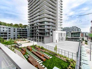 "Photo 3: 404 3451 SAWMILL Crescent in Vancouver: South Marine Condo for sale in ""QUARTET - OPUS (MIDRISE)"" (Vancouver East)  : MLS®# R2487794"