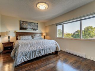 Photo 16: 402 1488 Dallas Rd in : Vi Fairfield West Condo for sale (Victoria)  : MLS®# 851745