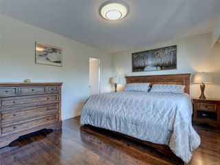 Photo 17: 402 1488 Dallas Rd in : Vi Fairfield West Condo for sale (Victoria)  : MLS®# 851745