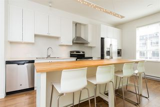 """Photo 17: 14 8438 207A Street in Langley: Willoughby Heights Townhouse for sale in """"YORK BY Mosaic"""" : MLS®# R2494521"""