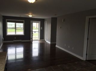 Photo 3: 121 / 123 Connaught Avenue in Glace Bay: 203-Glace Bay Residential for sale (Cape Breton)  : MLS®# 202100064