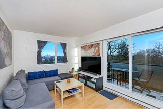 Photo 3: 209 991 Cloverdale Ave in : SE Quadra Condo for sale (Saanich East)  : MLS®# 862557