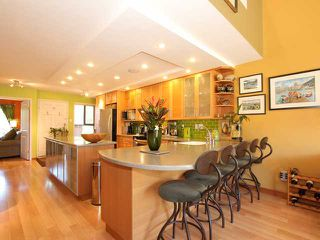 """Photo 2: 1035 SCANTLINGS in Vancouver: False Creek Townhouse for sale in """"MARINE MEWS"""" (Vancouver West)  : MLS®# V875411"""