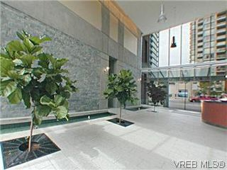 Photo 3: S301 737 Humboldt St in VICTORIA: Vi Downtown Condo for sale (Victoria)  : MLS®# 569600