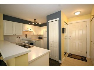 """Photo 2: 303 1363 56TH Street in Tsawwassen: Cliff Drive Condo for sale in """"WINDSOR WOODS"""" : MLS®# V922513"""