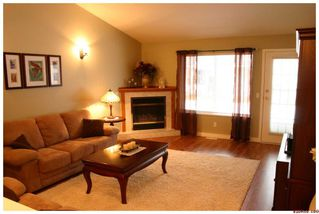 Photo 3: 37 219 Temple Street Sicamouse 219 Temple Street Sicamous: Sicamous Residential Detached for sale : MLS®# 10042011
