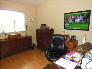 "Photo 13: 2406 WEYMOUTH Place in North Vancouver: Lynn Valley House for sale in ""Lynn Valley"" : MLS®# V1045846"