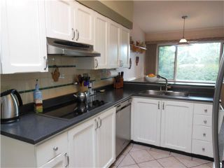 "Photo 3: 2406 WEYMOUTH Place in North Vancouver: Lynn Valley House for sale in ""Lynn Valley"" : MLS®# V1045846"