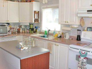 "Photo 7: 25 1123 FLUME Road: Roberts Creek Manufactured Home for sale in ""IKE-LON"" (Sunshine Coast)  : MLS®# V1057294"