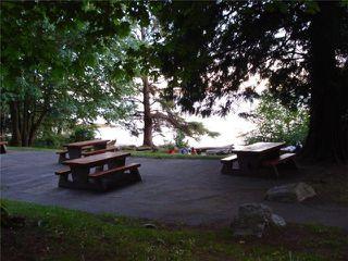 "Photo 12: 25 1123 FLUME Road: Roberts Creek Manufactured Home for sale in ""IKE-LON"" (Sunshine Coast)  : MLS®# V1057294"