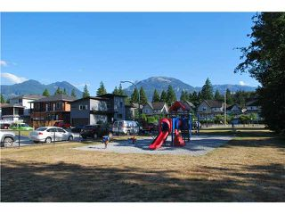 "Photo 7: 20 1821 WILLOW Crescent in Squamish: Garibaldi Estates Townhouse for sale in ""WILLOW VILLAGE"" : MLS®# V1061460"