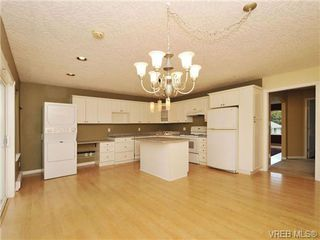 Photo 3: 3577 Kelly Dawn Place in VICTORIA: La Walfred Single Family Detached for sale (Langford)  : MLS®# 343174