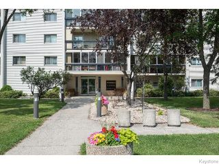 Photo 2: 1975 Corydon Avenue in WINNIPEG: River Heights / Tuxedo / Linden Woods Condominium for sale (South Winnipeg)  : MLS®# 1519704