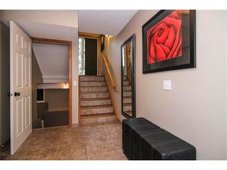Photo 2: 124 INGLEWOOD Cove SE in Calgary: Inglewood House for sale : MLS®# C4024645