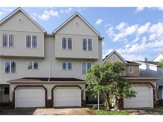 Photo 1: 124 INGLEWOOD Cove SE in Calgary: Inglewood House for sale : MLS®# C4024645