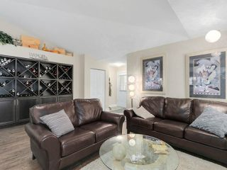 """Photo 4: 56 8555 209TH Street in Langley: Walnut Grove Townhouse for sale in """"AUTUMNWOOD"""" : MLS®# R2042335"""