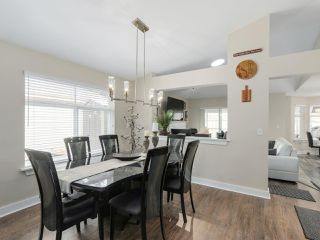 """Photo 5: 56 8555 209TH Street in Langley: Walnut Grove Townhouse for sale in """"AUTUMNWOOD"""" : MLS®# R2042335"""