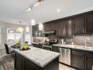 """Photo 6: 56 8555 209TH Street in Langley: Walnut Grove Townhouse for sale in """"AUTUMNWOOD"""" : MLS®# R2042335"""