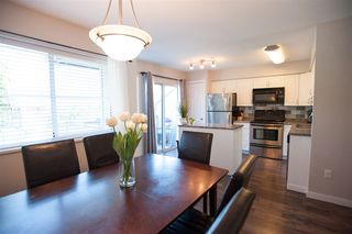 "Photo 4: 38 19034 MCMYN Road in Pitt Meadows: Mid Meadows Townhouse for sale in ""MEADOWVALE"" : MLS®# R2066804"