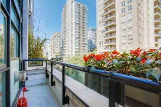 """Photo 8: 411 988 RICHARDS Street in Vancouver: Yaletown Condo for sale in """"TRIBECA LOFTS"""" (Vancouver West)  : MLS®# R2075308"""