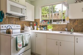 Photo 13: 546 BOURNEMOUTH Crescent in North Vancouver: Windsor Park NV House for sale : MLS®# R2089525