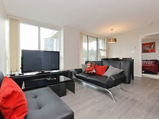 "Photo 2: 906 2200 DOUGLAS Road in Burnaby: Brentwood Park Condo for sale in ""Affinity by Bosa"" (Burnaby North)  : MLS®# R2105940"