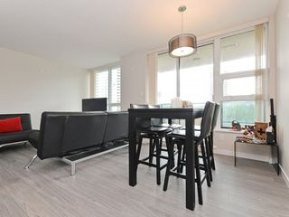 "Photo 5: 906 2200 DOUGLAS Road in Burnaby: Brentwood Park Condo for sale in ""Affinity by Bosa"" (Burnaby North)  : MLS®# R2105940"