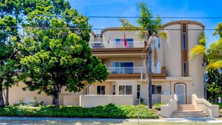 Photo 1: PACIFIC BEACH Condo for sale : 3 bedrooms : 1703 LA PLAYA AVE #A in San Diego